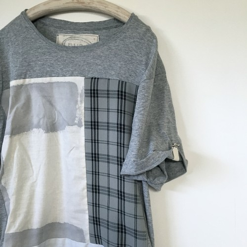 nusumigui grey×print Tシャツ