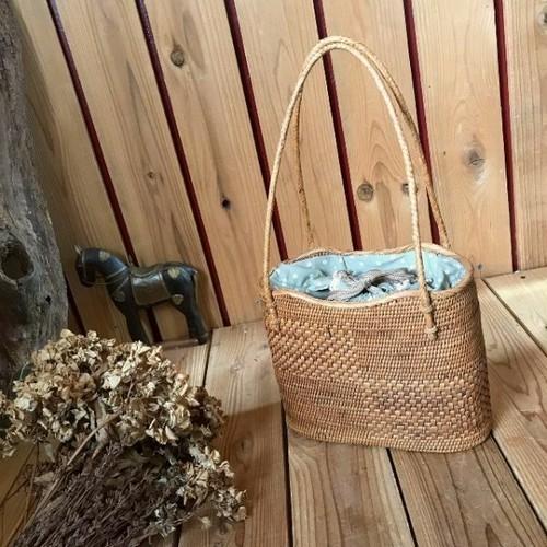 ≫アタバッグ細かく丁寧な編み籠*巾着カゴバッグ*自然天然ナチュラルかばんピクニックかごバスケットアウトドアバリ島クウネル和装浴衣着物