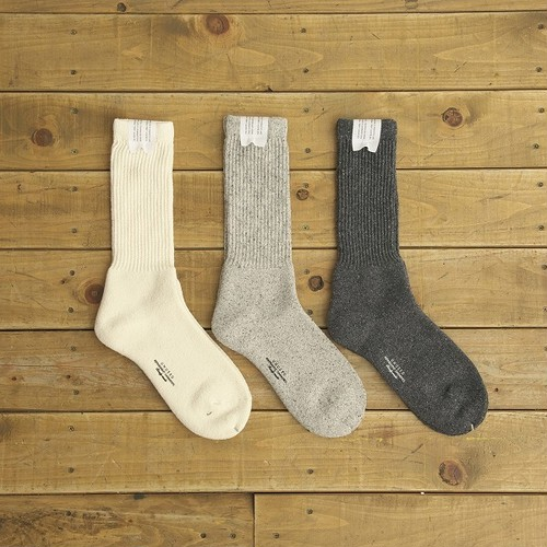 UNUSED COTTON ACRYIC SILK SOX