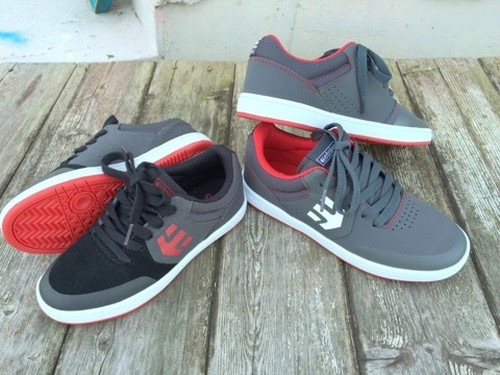 new!! kids etnies skate shoes