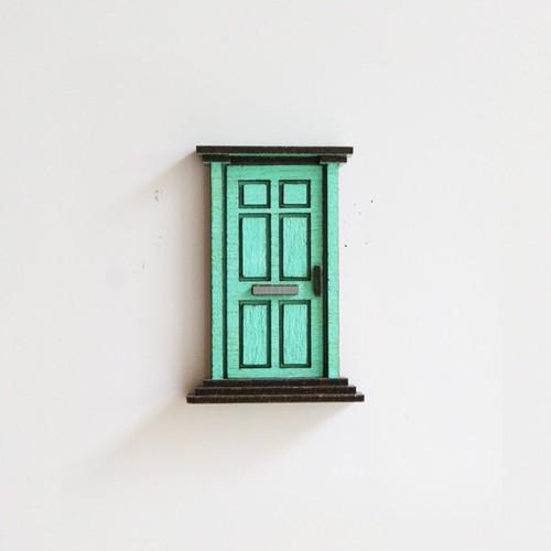 冷蔵庫がビルに。/ドアのマグネット