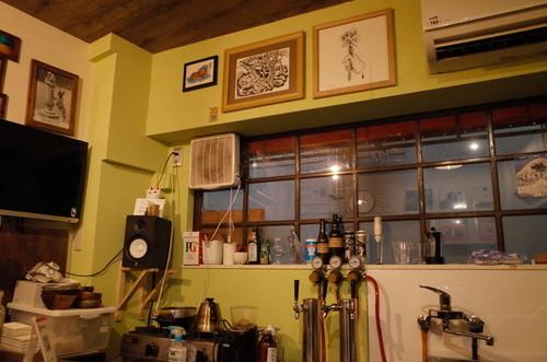 Small World 三軒茶屋 ビアバー・レコード店