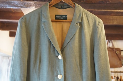00's green linen Blazer w/gold buttons