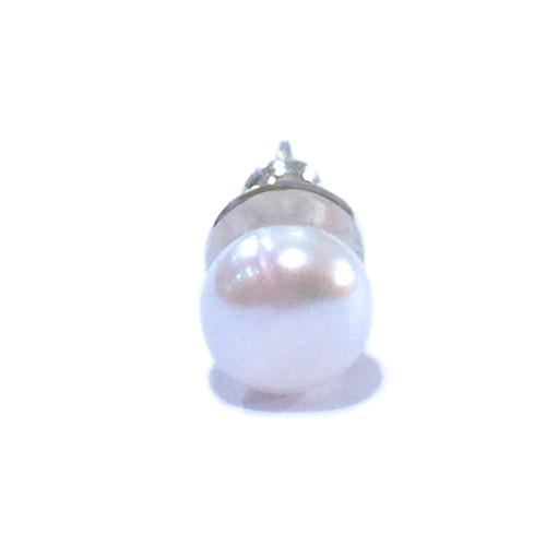 天然素材の小さなピアス(本真珠ホワイト/シングル) ☆数量限定品