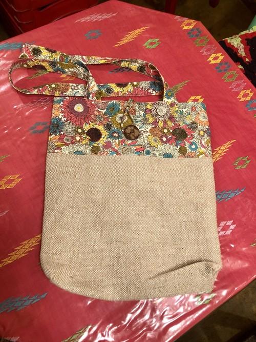 ハノイの花柄トートバッグ