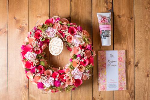 【花のプレゼント】リースとハンドクリームとサシェ3点セット(自然素材リース )(ピンク)