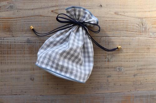 ギンガムチェック巾着ポーチグレー 小サイズ