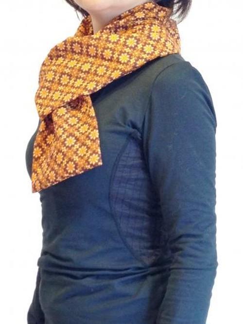 ほっかほかマフラー(首、肩まわりのあたためハーブパット・洗えるカバー付き)/タイ柄