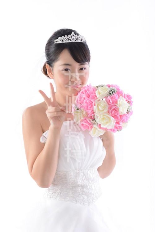 【0128】ブーケを持つ花嫁