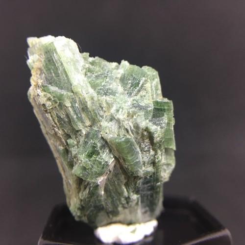 アクチノライト 緑閃石、角閃石 原石 7g