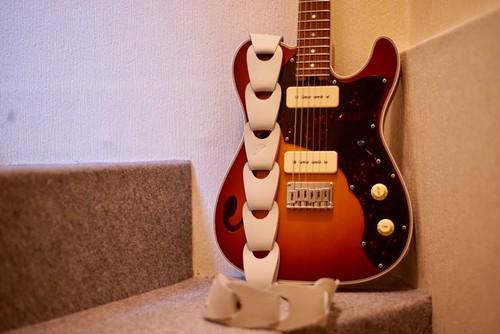 Wellington / White【スマートな彼に捧ぐギターストラップ】