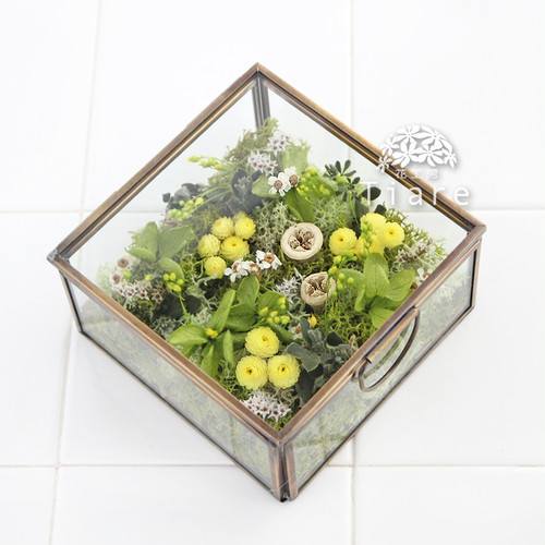 【オーダーメイド】小花とモスのナチュラルなリングピロー ガラスと真鍮のケース入り グリーン、イエロー、オフホワイト