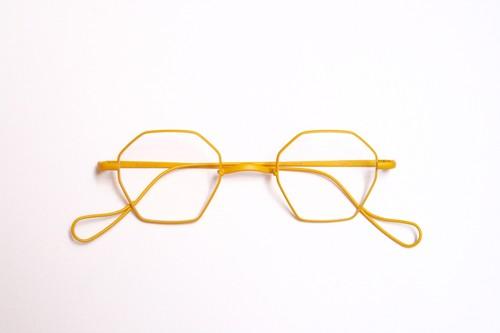 ais  - mustard yellow -