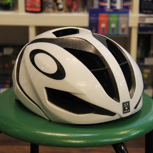 OAKLEY ARO5 /Polished White (Cycling Helmets)