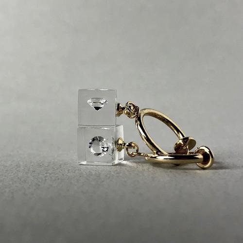 キュービックジルコニア 耳元に浮かぶイヤリング ゴールドカラー(ギフト, 誕生日プレゼント, ギフトラッピング, 結婚式, お呼ばれ)