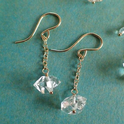 〈14kgf〉夢の種 ハーキマーダイヤモンドのピアス