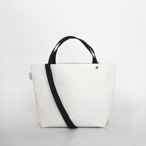 【N/no × E/zel.】SOME WAY LIGHT TOTE BAG (S+)_PP/BLACK