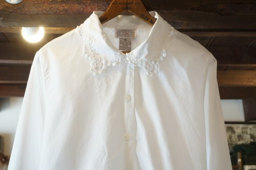 90's white lace trimmed cotton Blouse