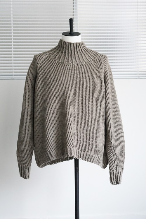 JAN JAN VAN ESSCHE - CHUNKY, HANDKNIT TURTLE NECK SWEATER