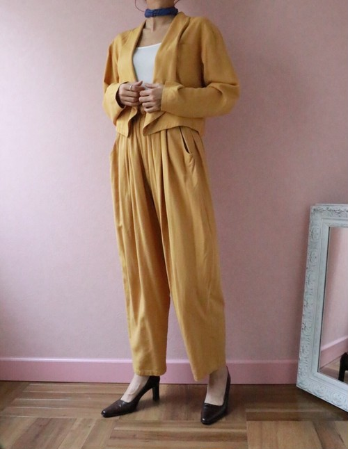 Mustard yellow silk set-up