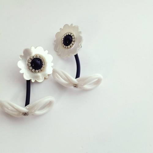 《再入荷》Shell flower pierce/earrings (MONO)