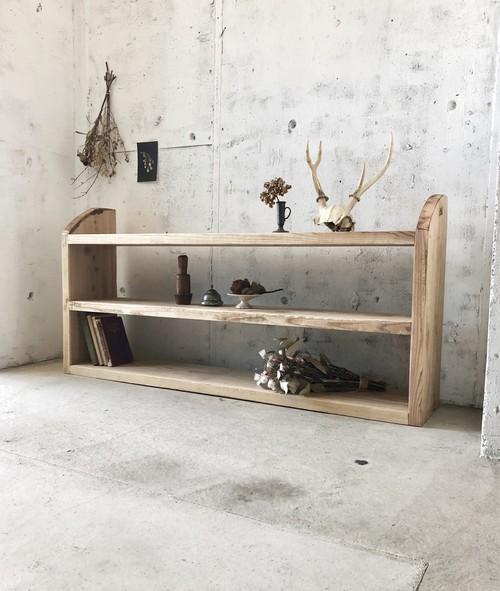 横幅のある木製シェルフ[古家具]