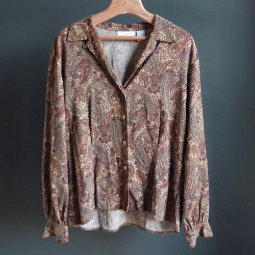 paisley-print blouse