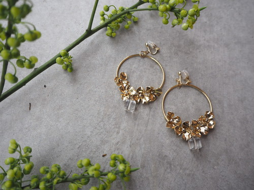 gold flower hoop pierce/earrings