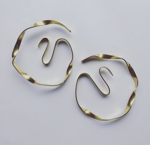 loop wave pierce / earring
