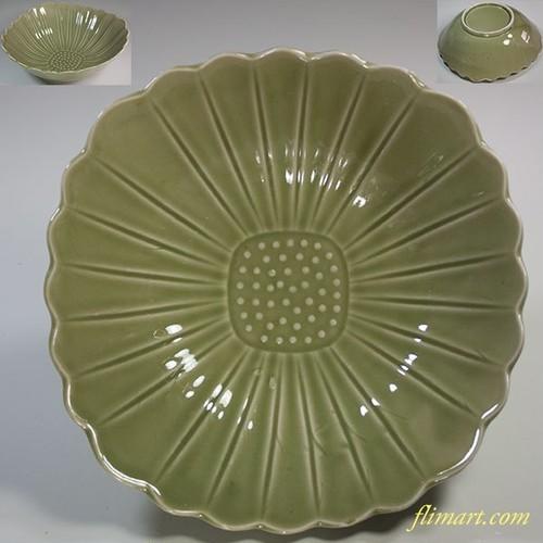 青磁菊花二十四弁六寸鉢W5931