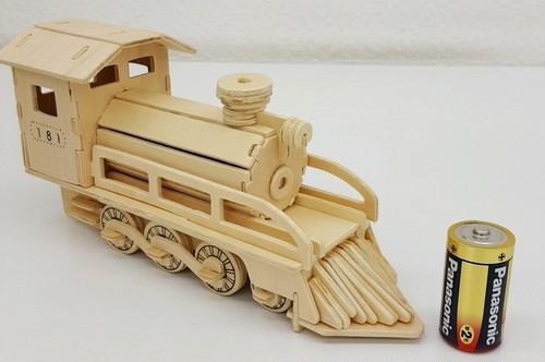 【送料無料】3D立体パズル 機関車