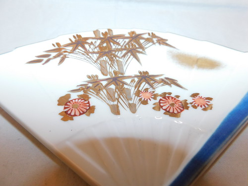 九谷扇型銘々皿五客 Kutani collard porcelain five plats