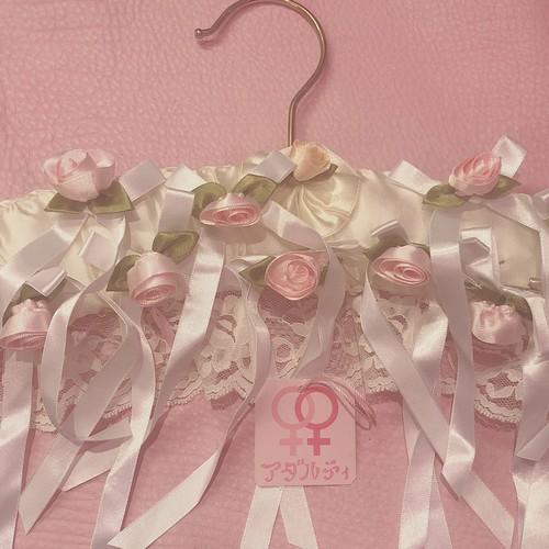 rose ribbon ブローチ