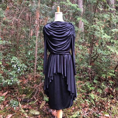 ドレス Black & bead embroidery epaulet