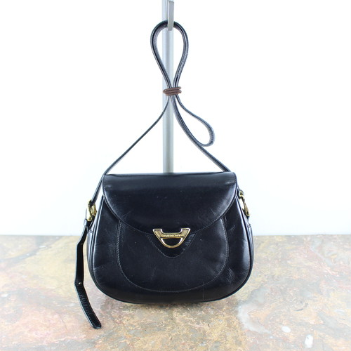 .GIVENCHY LEATHER SHOULDER BAG MADE IN JAPAN/ジバンシィレザーショルダーバッグ 2000000047362