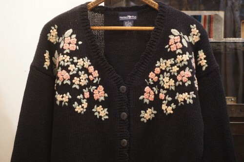90's flower embroidered short Cardigan