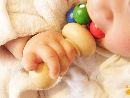【0歳からのおもちゃ 出産祝い】 ネフ社 ティキ 好奇心いっぱいの赤ちゃんに最適♪