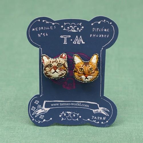 刺繍ピアス/刺繍イヤリング Brown cat team