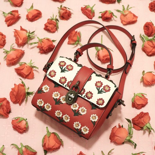 【lyn around】flower bag
