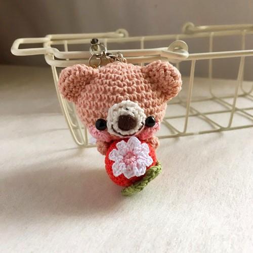 【受注生産】赤イチゴ・ピーチピンク色クマさん・鈴付きイヤホンジャック