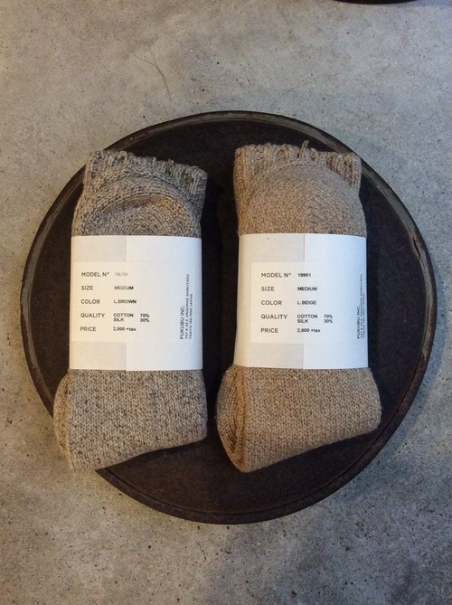 YAECA / ヤエカ COTTON/SILK SOCKS L.BEIGE