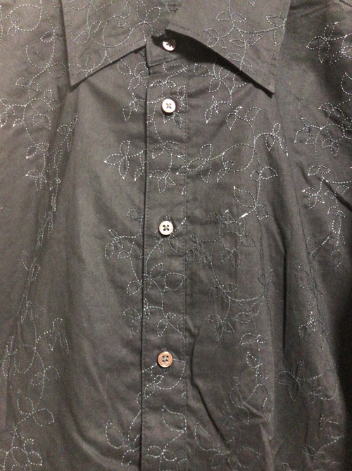 2000's flower embroidery shirt