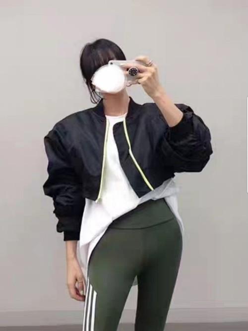 予約注文商品 クロップショルダースリットニット ニット 韓国ファッション