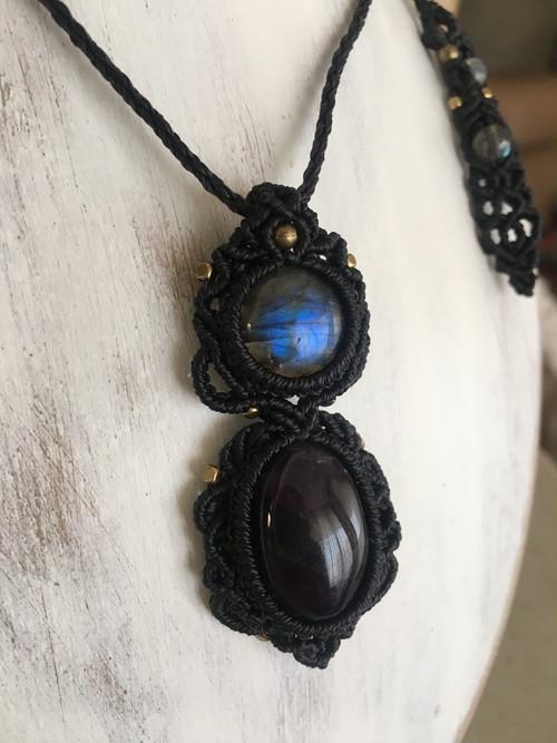 アメジストとラブラドライトの魔法のネックレス