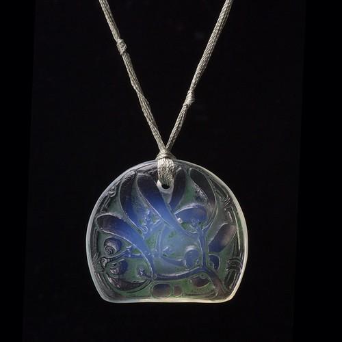 René Lalique Glass Mistletoe Pendant -GUI-