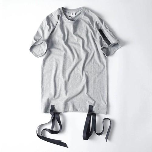 [大人気]ベルトデザインTシャツ 2種類カラー
