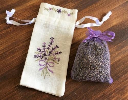 フランス製手刺繍のサシェ(匂い袋)とプロヴァンスのラベンダーのポプリ  B