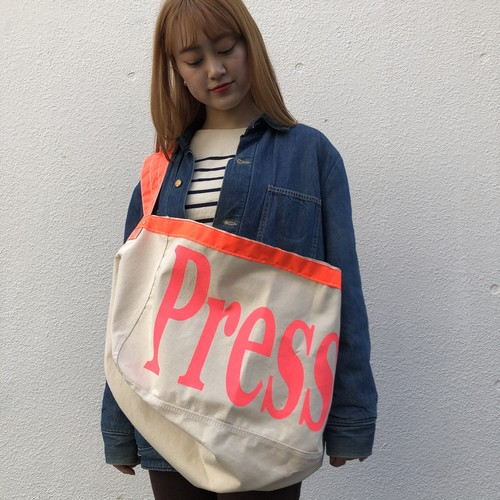 "US Made Newspaper Boy Bag, ""Press"" Pink"