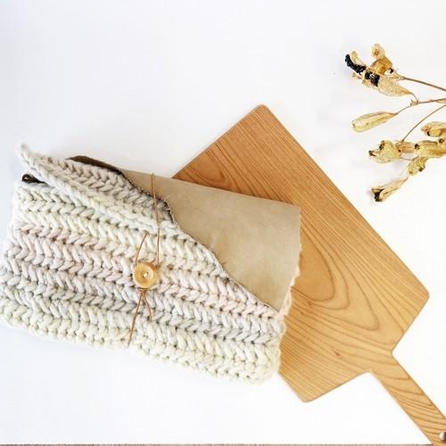 毛糸ニットの2WAYクラッチバッグ
