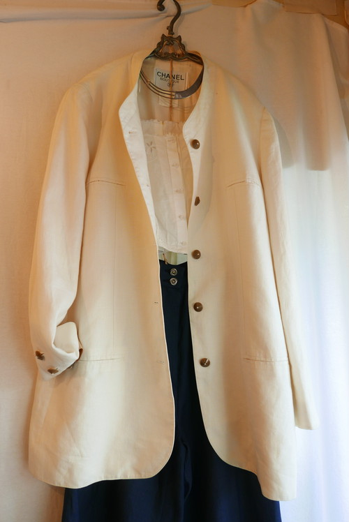 CHANEL Off-white Linen Jacket